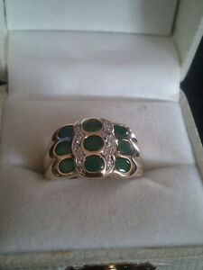 beautiful 10 k gold ring emeralds and diamonds
