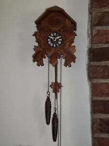A Black-Forest vintage German one day cuckoo clock West Island Greater Montréal image 1