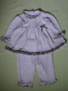Baby girl outfit 9m and booties