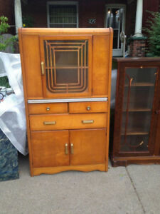Royal Furniture Co. - Vintage Hutch