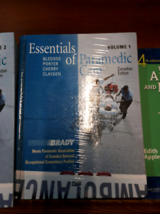 MEDAVIE PARAMEDICINE TEXTBOOKS FOR SALE