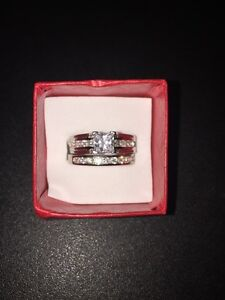Beautiful Engagement Wedding Set