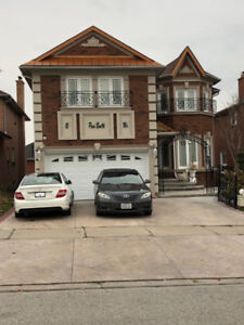 Beautiful 5 BR House Available For Rent In Richmond Hill