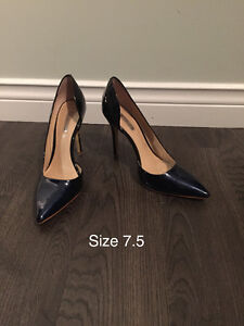 Guess brand navy blue shoes