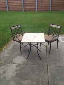HEAVY MARBLE COFFEE TABLE / 2 CHAIRS Windsor Region Ontario image 3