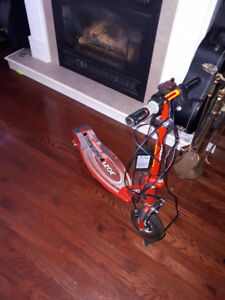 razor 100 battery operated scooter
