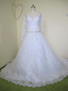 Elegant Ball Gown Tulle&Satin Bateau Neckline Embellished with
