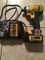 "20V Cordless MAX Lithium Ion 1/4"" Compact Impact Driver"