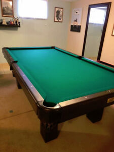 BRAND NEW POOL TABLE 4 X 8 - DOES NOT FIT MY ROOM
