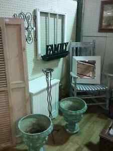 600 booths  of antiques, furniture & collectibles