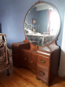 MAQUILLEUSE ANCIENNE - ANTIQUE DRESSING TABLE