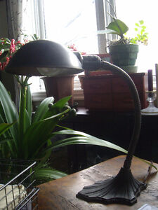 INDUSTRIAL & VINTAGE TABLE LAMPS
