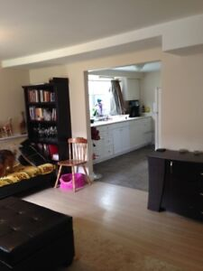 $850. HEATED - 2 Bedroom - Pet Freindly in 3 Unit House