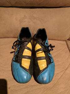 Mens Nike T90 Soccer shoes size 10.5