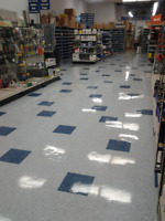 Floor tech  Strip & Wax