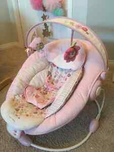 Bouncer Seat--Excellent Condition