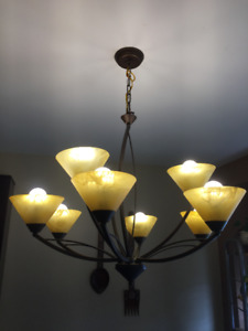 Lovely Large Ceiling Chandelier (Excellent Condition)