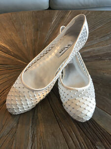 IVORY SPARKLY FLAT