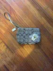 COACH SMALL WRISTLET - LONDON, ON AUTHENTIC