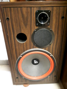 Cerwin Vega speakers D5