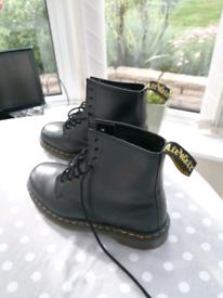 Genuine Dr Martens men's boots size 8 new