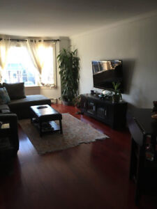 Short and long term fully furnished room rental in a cozy house