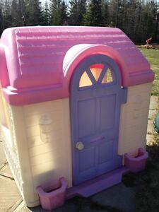 ***Sold*** Outdoor play house & Little Tikes play structure