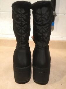 Women's Wild Country Winter Boots Size 6 M London Ontario image 6