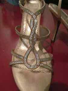 Stilettos en tissu rosé et pierres/Gorgeous rhinestone stilettos
