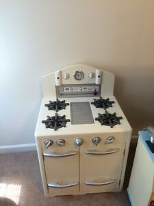 Pottery Barn kids Retro looking White kitchen sink and stove Cornwall Ontario image 2