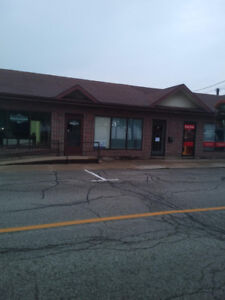 Commercial/Office Space 1,000 sq ft for Lease w/ parking