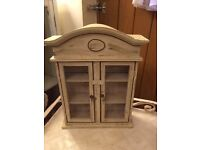 Chubby chic small cabinet