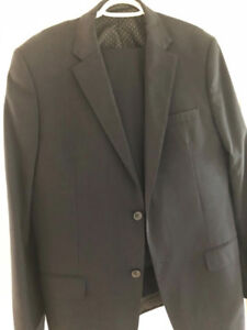 Boulevard Club Men's Navy Suit (Jacket 42, pants 36)