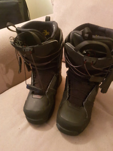 Solomon fusion snowboard boots. Barely used.