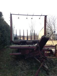 1034 newholland automatic bale wagon