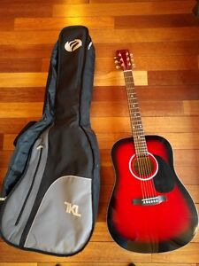 Beaver Creek BCTD101TR Acoustic Guitar and Soft Carrying Case