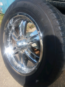 4 Pirelli Scorpion Tires w/chrome rims