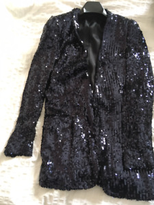 Get ready for New Year's Eve!  Gorgeous sequin jacket.
