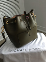 Michael Kors Greenwich Medium Bucket Bag - Olive/Khaki