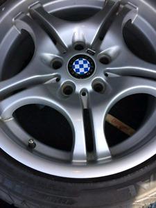 5 x mags BMW 17 pouces  avec pneus d'été !!