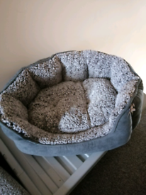 Small pet bed