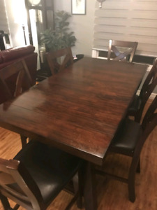 Dining Table - Bar Height, Cherry wood- 6 chairs, great conditio