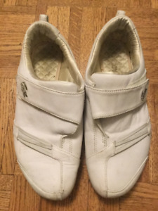lacost shoes, size 6!