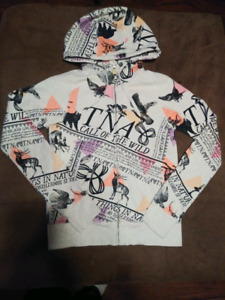 "$20$ TNA Sweater ""Call Of The Wild"" (Size Small)"