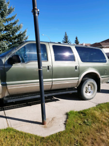 Ford excursion 7.3l diesel. Great shape mechanically sound.