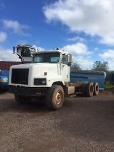 1999 IH PAYSTAR DUMP CHASSIS.