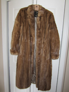 FULL LENGTH CANADIAN MAJESTIC MINK COAT CIRCA 1970'S