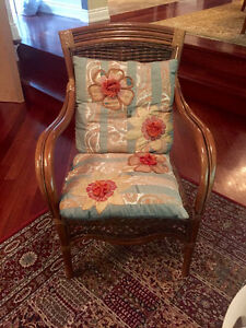 Beautiful classic wicker loveseat and chair Gatineau Ottawa / Gatineau Area image 4
