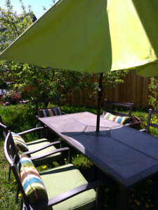 Patio set with umbrella and 6 chairs