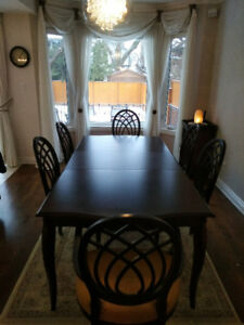 Bombay Dining Table Set